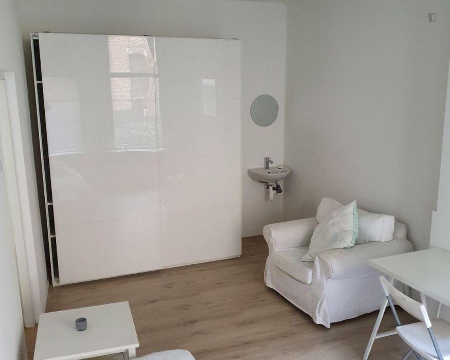 Bright bedroom near Erasmus University Rotterdam
