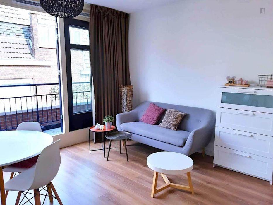 Beautiful studio apartment in the city centre