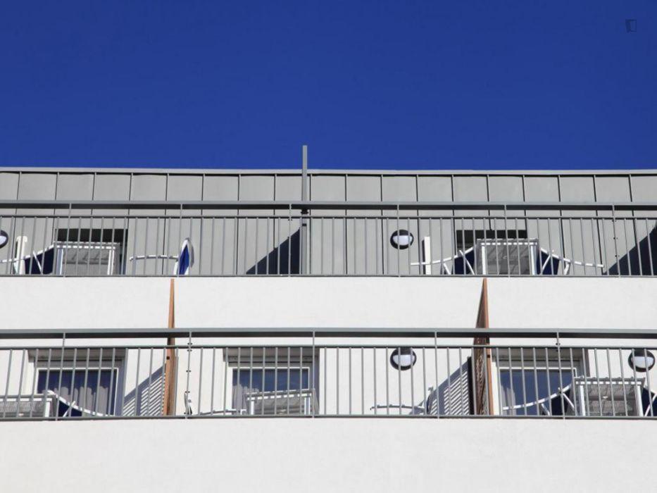 Shiny studio near Marseille-Blancarde transport station