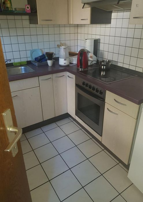 Sunny single-bedroom in a shared flat in Sindelfingen, near Sindelfingen Guttenbrunnstrasse bus stop