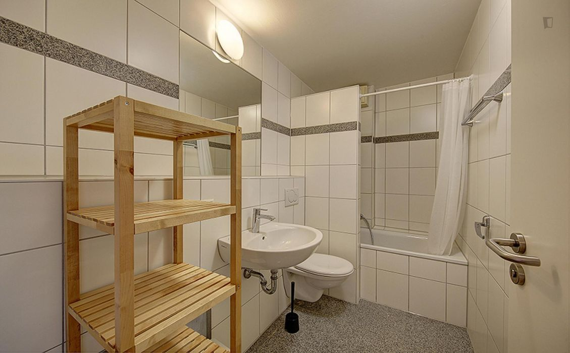 Welcoming single bedroom near the Rosensteinbrücke metro