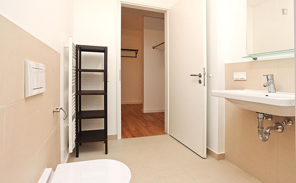 First-class single bedroom with balcony, in Ostend