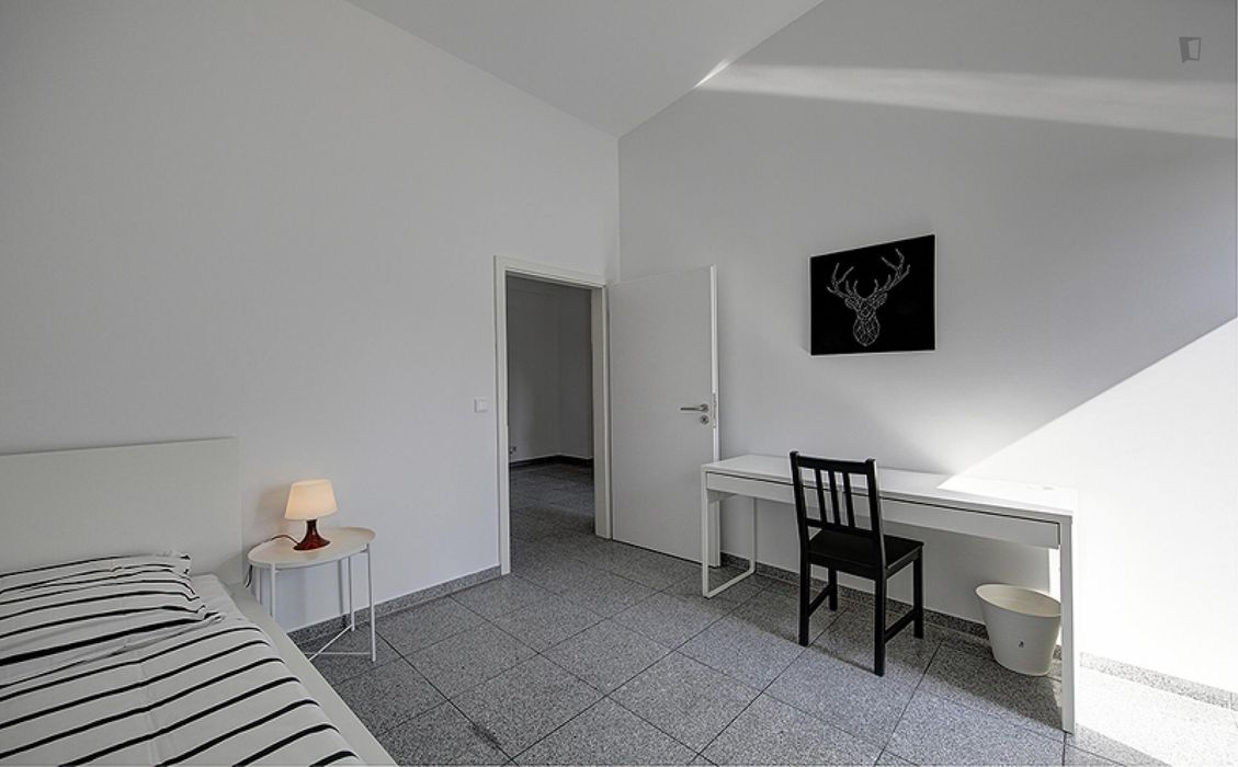 Luminous single bedroom near the Rosensteinbrücke metro