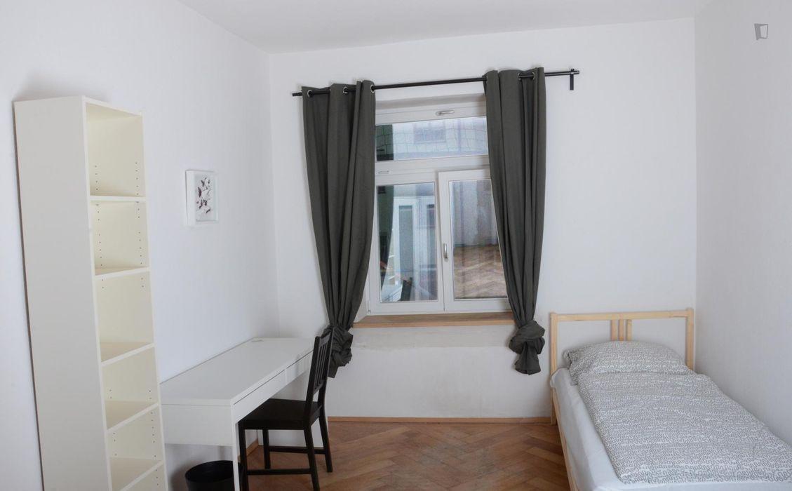Single bedroom in a 2-bedroom flat near Maillingerstraße metro station