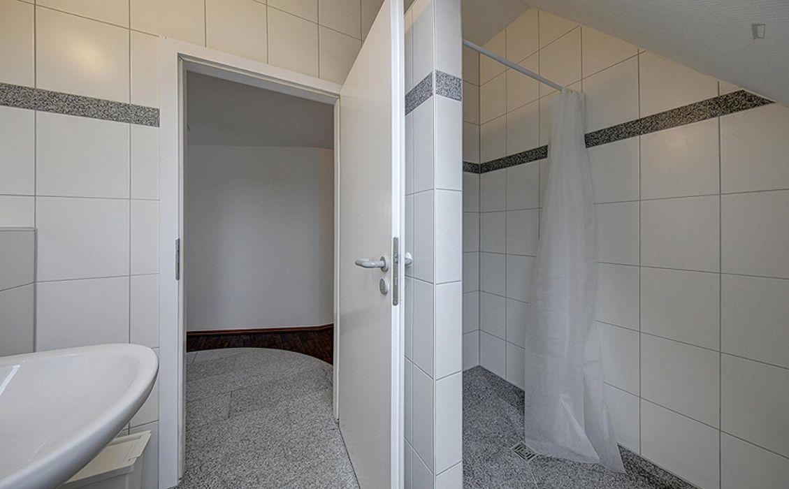 Neat single bedroom in Bad Cannstatt