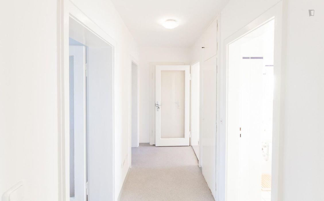 Spacious single bedroom in a 2-bedroom flat in Sendling