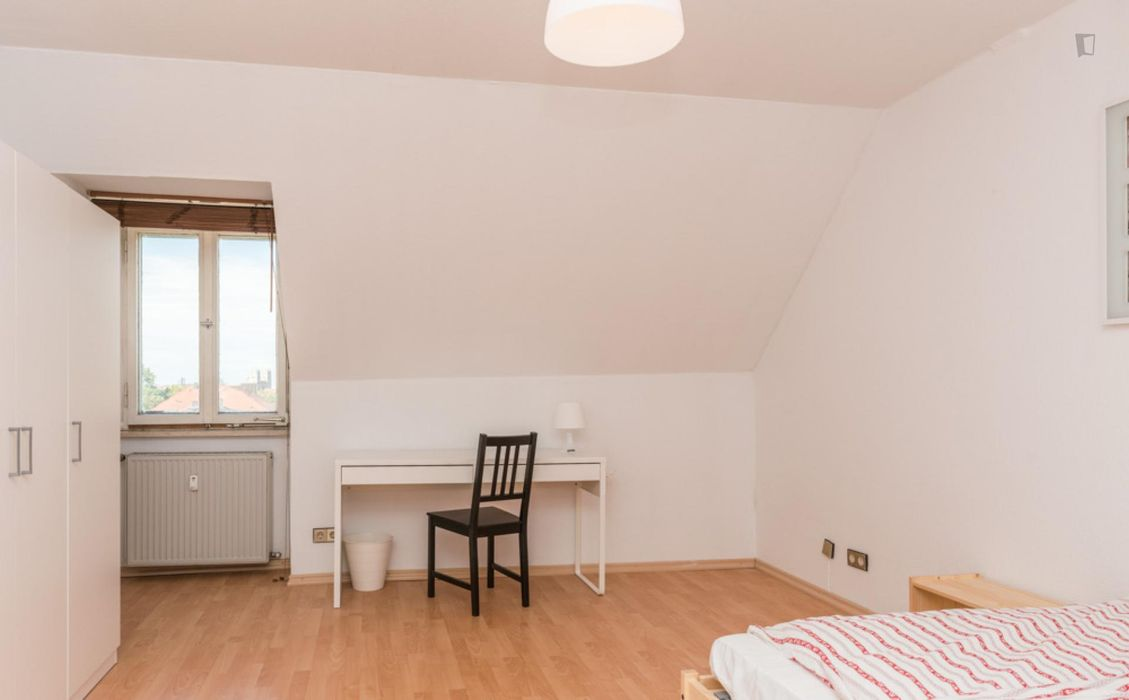 Charming single bedroom in a 3-bedroom flat, in Au-Haidhausen