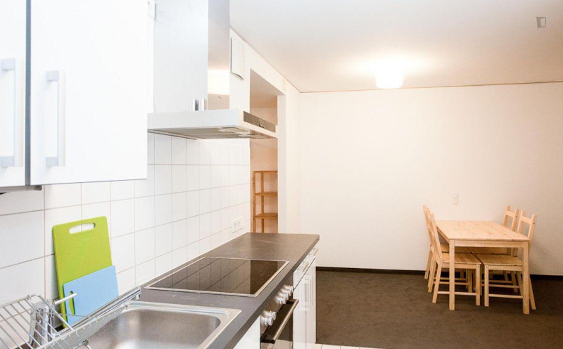 Inviting single bedroom close to the Hauptbahnhof