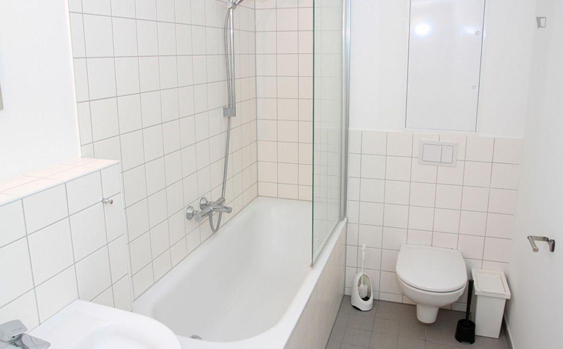 Double bedroom in 4-bedroom apartment in Harburg