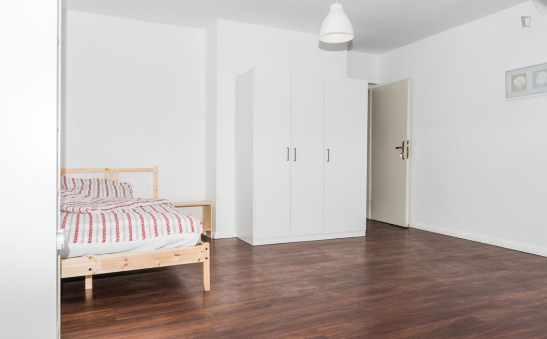 Really nice single bedroom in a 4-bedroom flat, in well-connected Au-Haidhausen