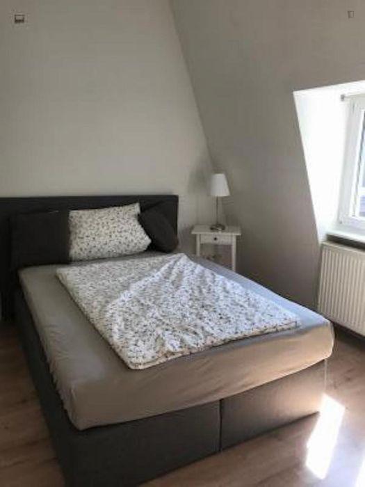 Double bedroom in a 4-bedroom apartment near Frankfurt Hauptbahnhof metro station