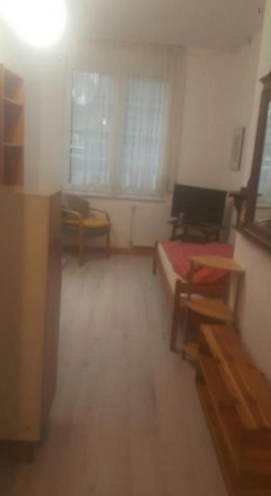 Cosy apartment not far from Krankenhaus Holweide
