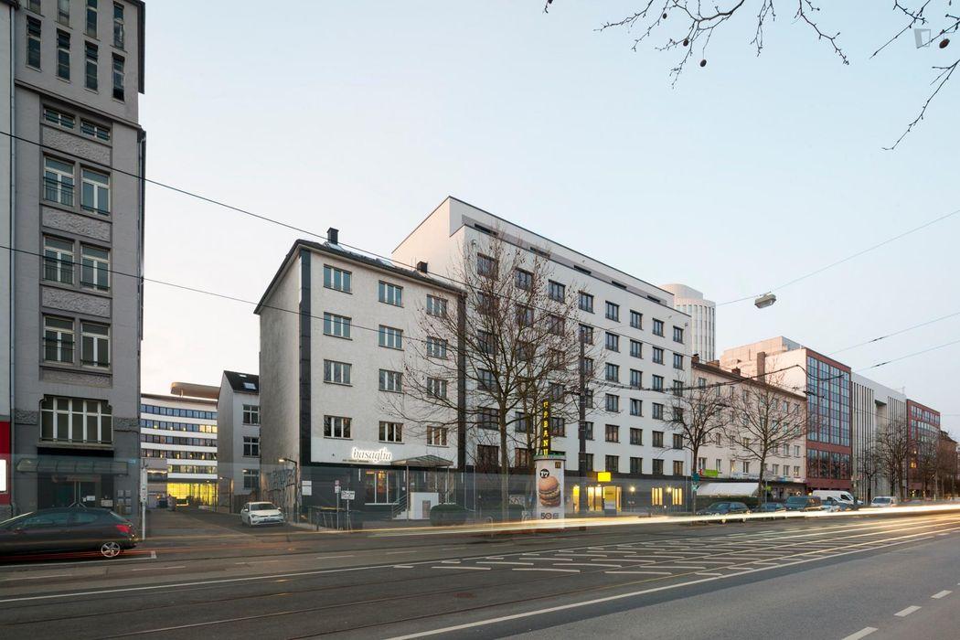 Cool studio, in a residence near Frankfurt(M)Galluswarte train station