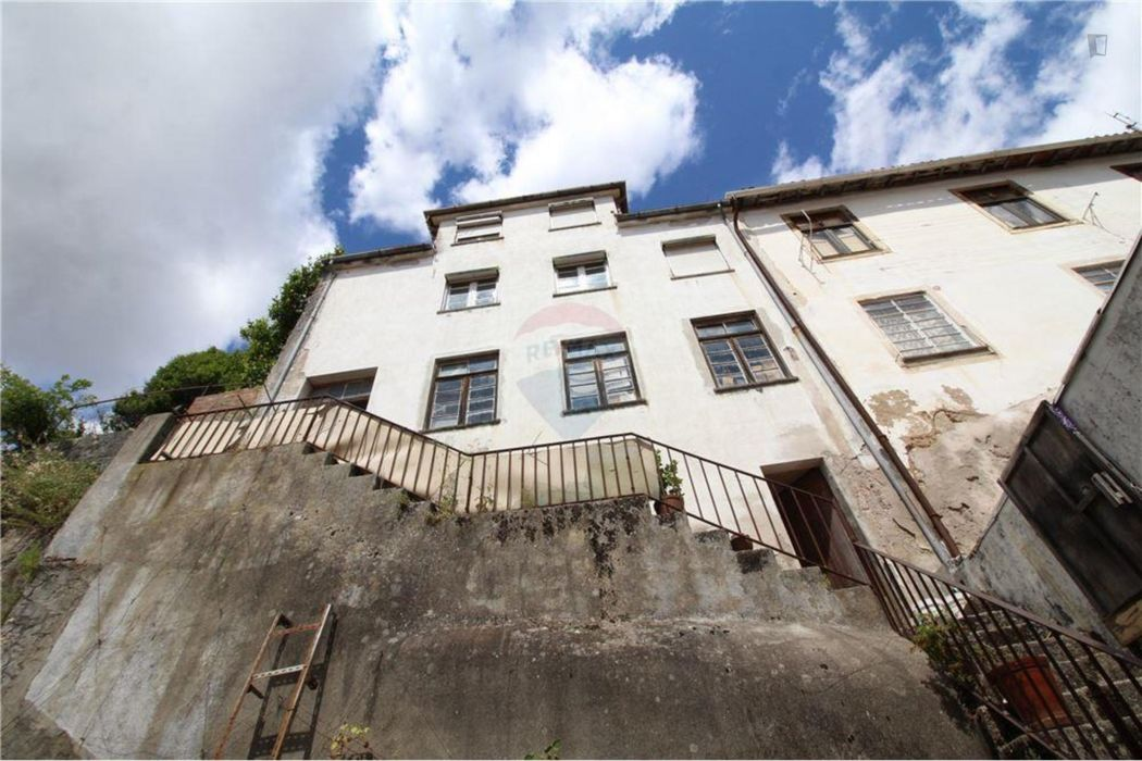 4-Bedroom apartment in Covilhã
