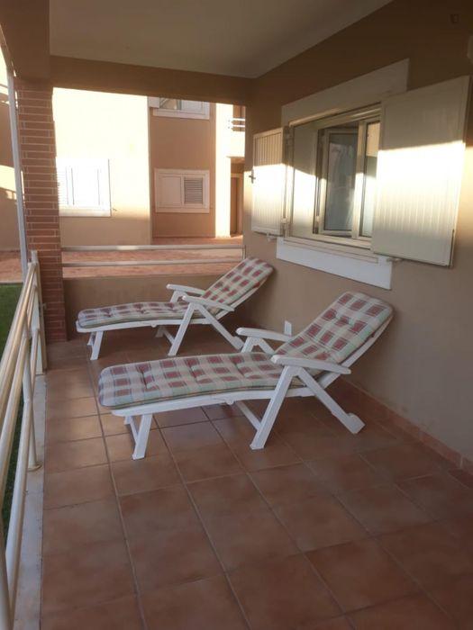 Fascinating twin single bed room close to Faro