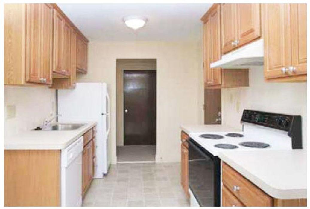 Student accommodation photo for 898 Massachusetts Avenue in Arlington, Boston