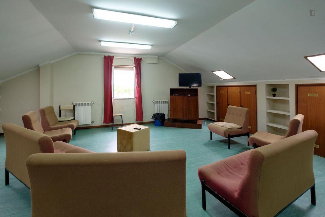 Single bedroom in proximity to Universidade de Coimbra