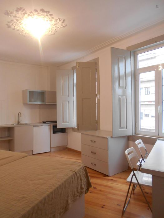 Elegant and well-located studio in Baixa