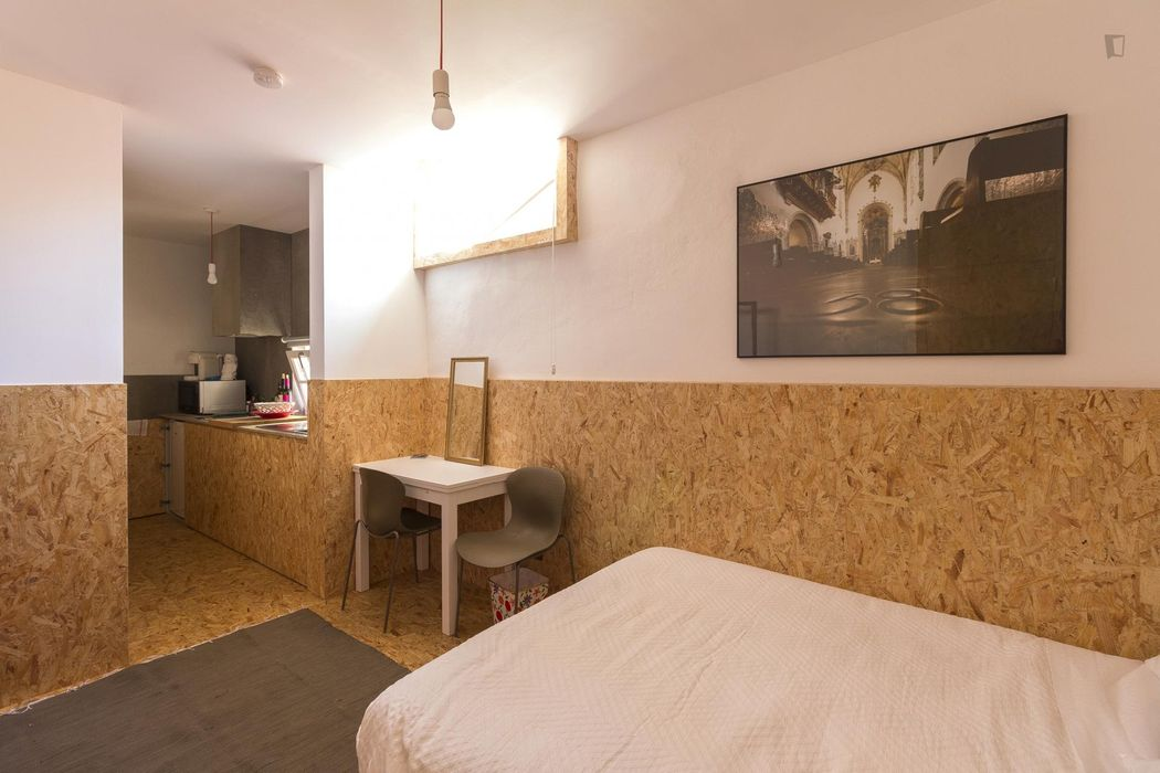 Perfect and comfy apartment with double bedroom in lively Baixa