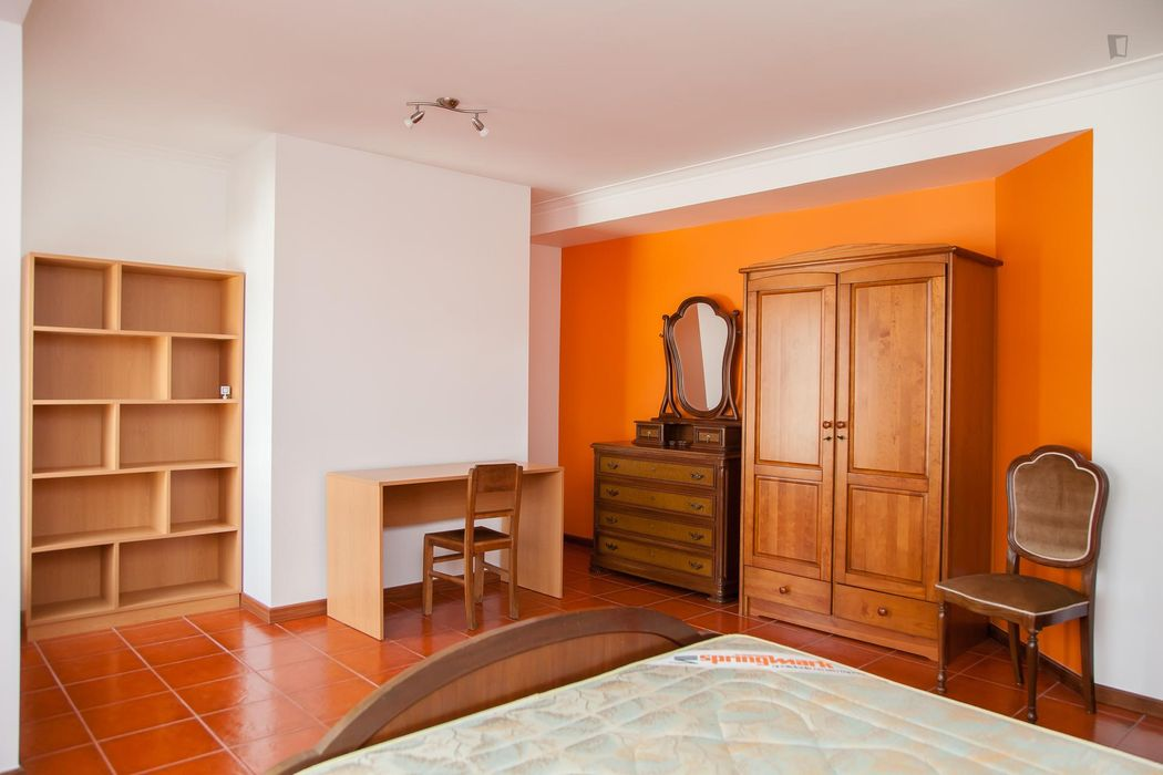 Very cool 3-bedroom apartment in Alto de São João