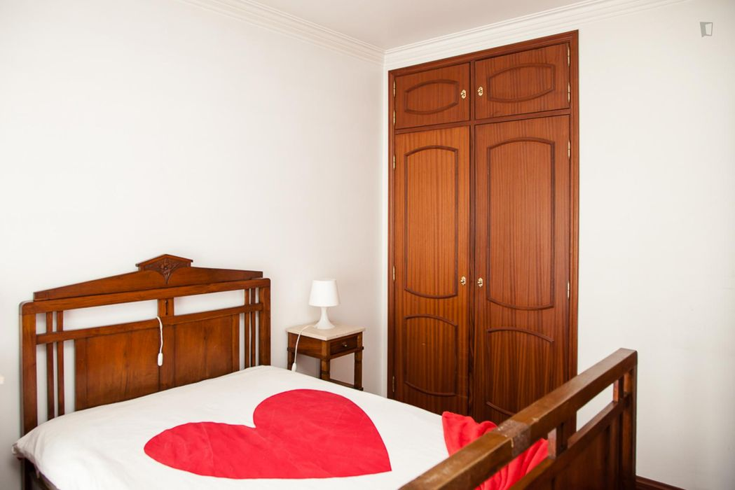 Cute double bedroom close to Universidade de Coimbra