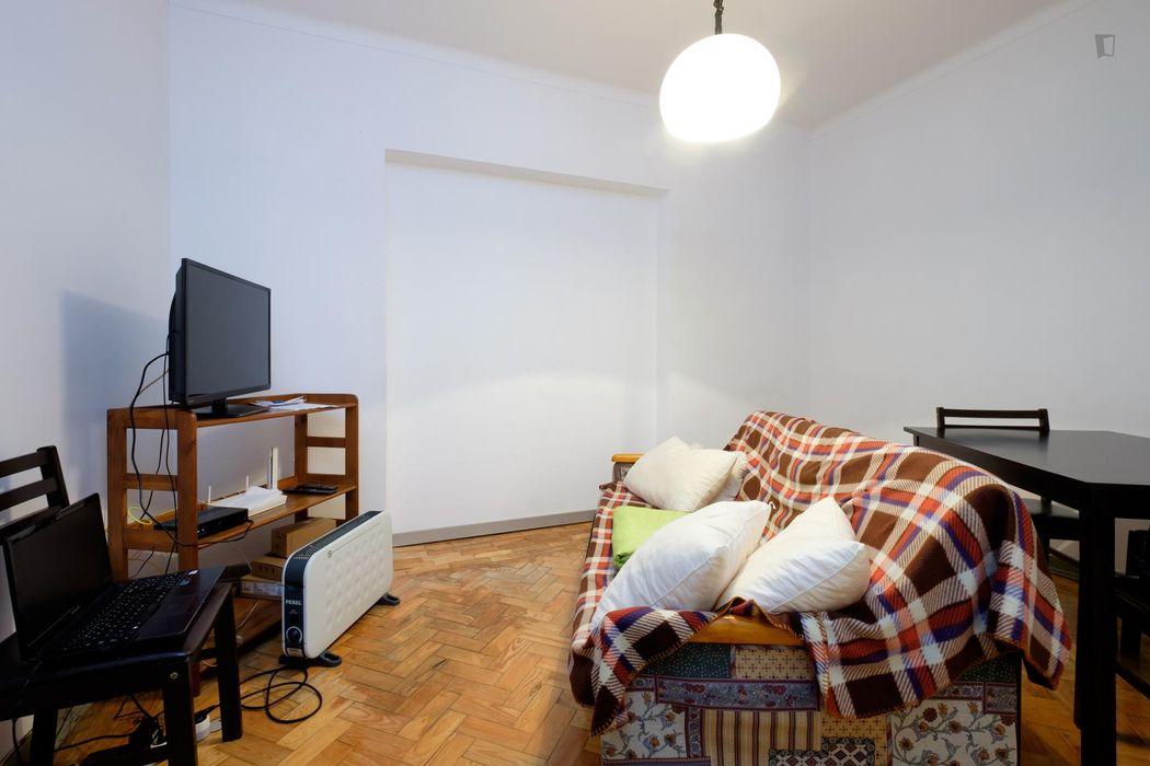 Nice single bedroom in a 4-bedroom flat not far from Universidade de Coimbra