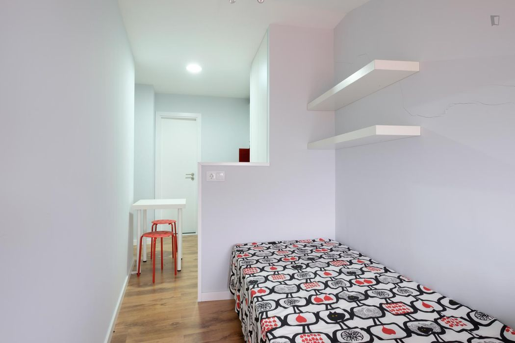 Comfy studio flat near faculties in Coimbra