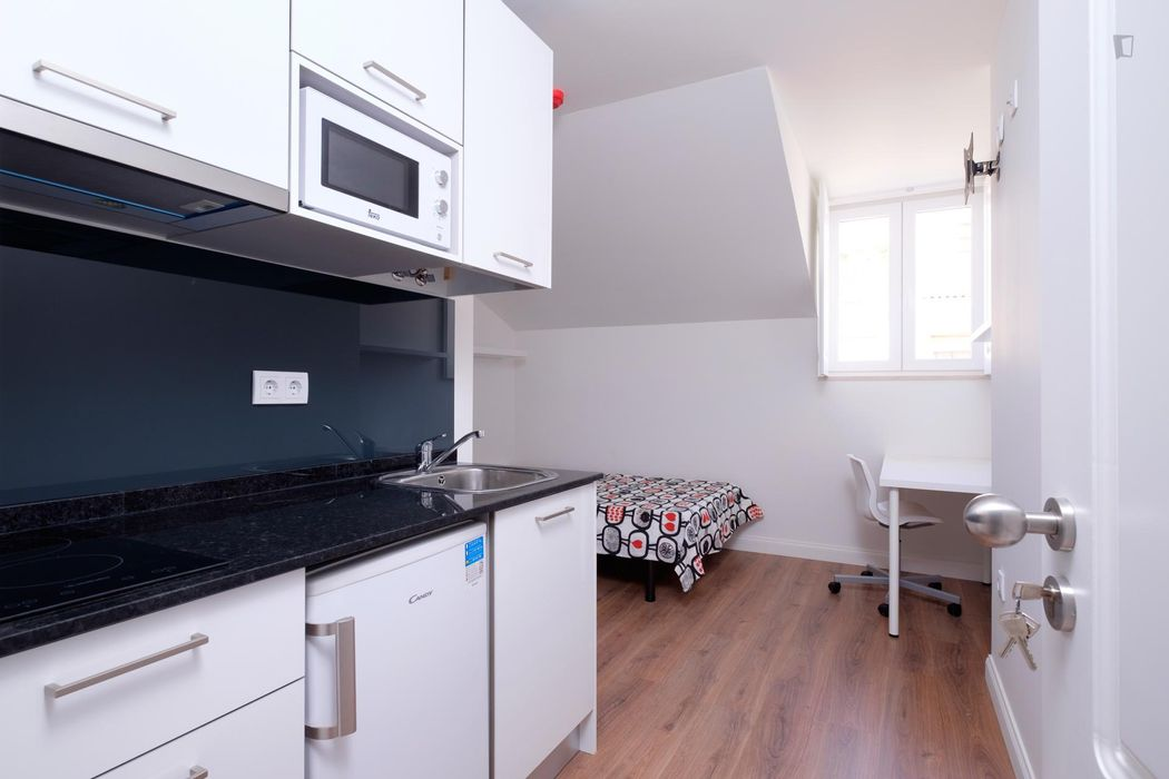Cool studio flat circuled by universities in the heart of the city