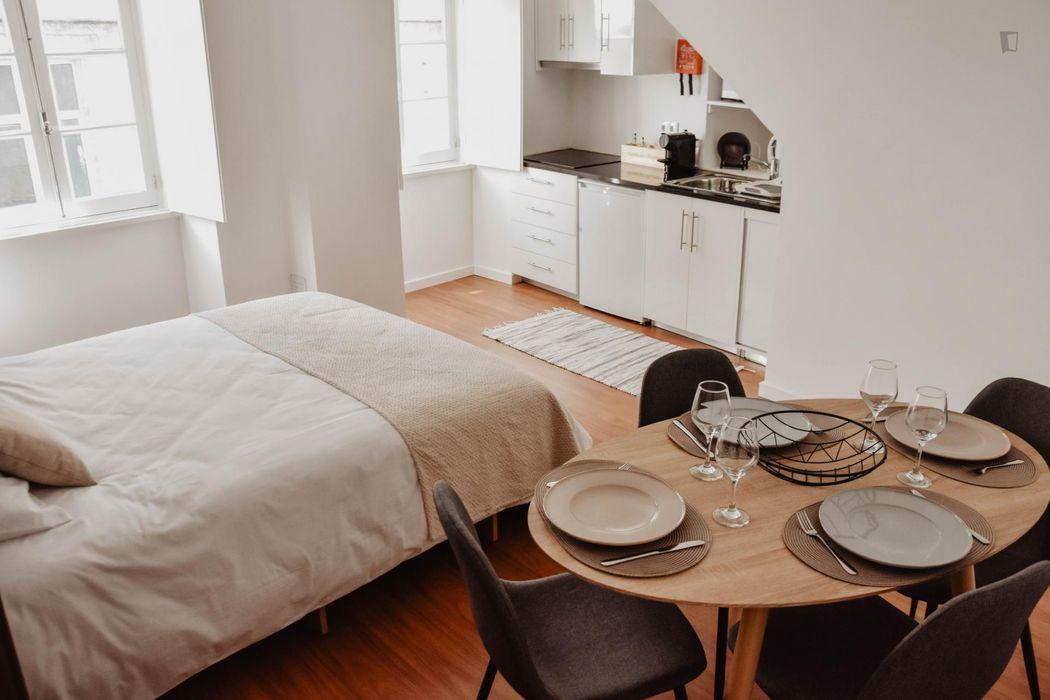 1-Bedroom apartment near Faculdade de Psicologia e de Ciências da Educação - Edifício 1