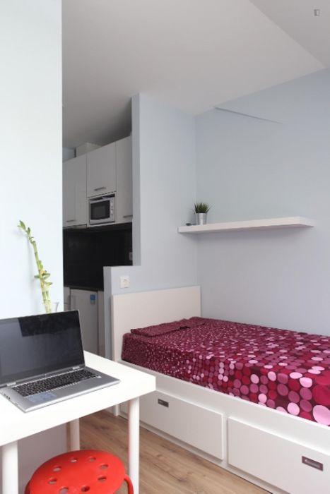 Comfy studio near Universidade de Coimbra, in Montes Claros
