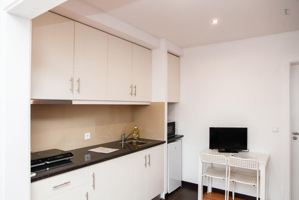 Cool and affordable 1-bedroom flat close to Universidade de Coimbra