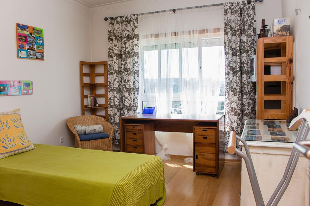 Welcoming single bedroom close to the centre of the city