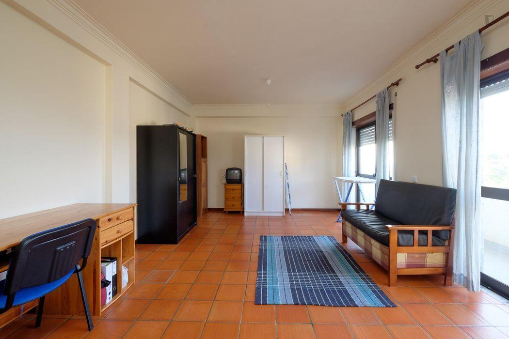 Comfortable single bedroom apartment near ARCA-EUAC Escola Universitária das Artes de Coimbra