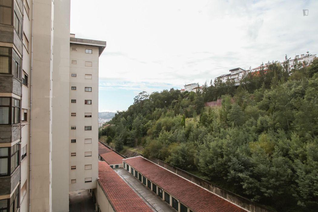 Nice single bedroom close to Escola Superior de Educação de Coimbra