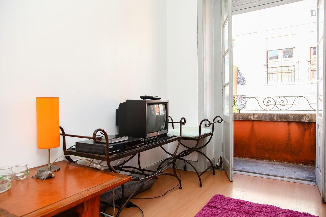 Homely single bedroom next to Escola Superior De Educação Do Instituto Politécnico De Coimbra