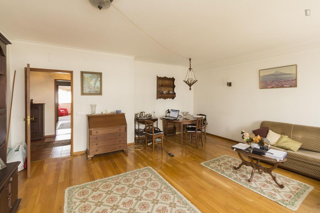 Fabulous single bedroom located near ESEC