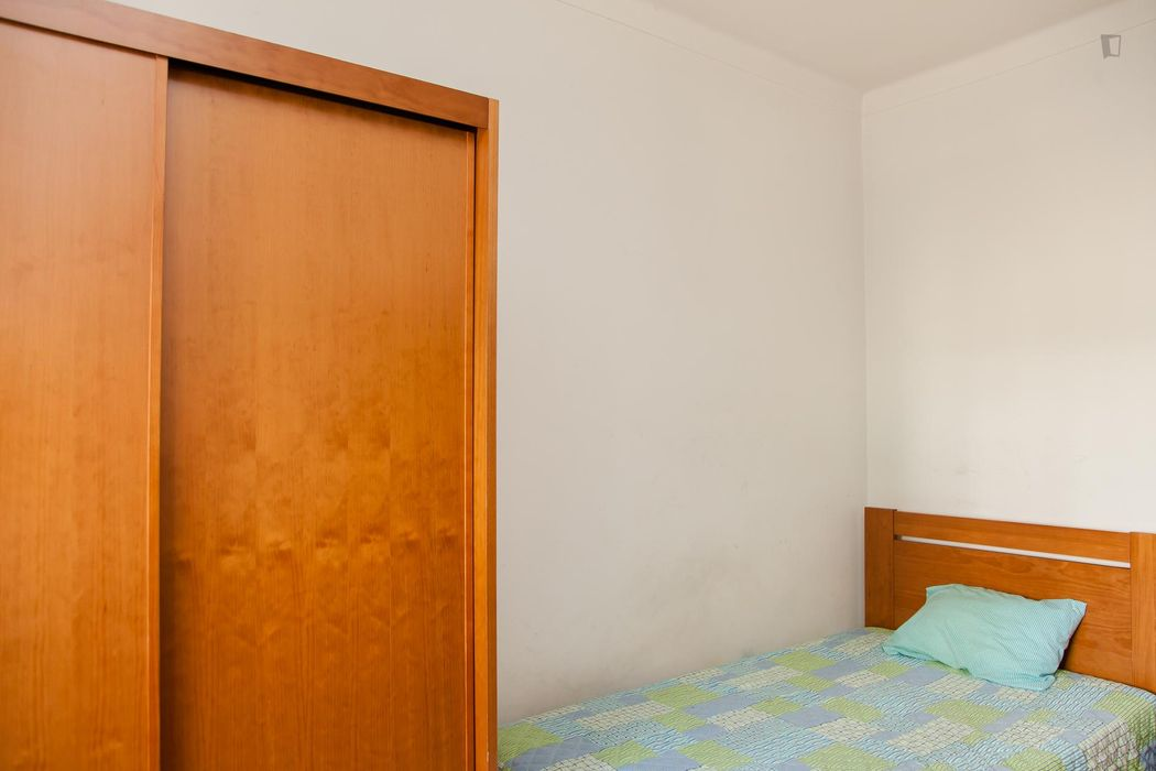 Cosy single bedroom next to Instituto Superior de Engenharia de Coimbra