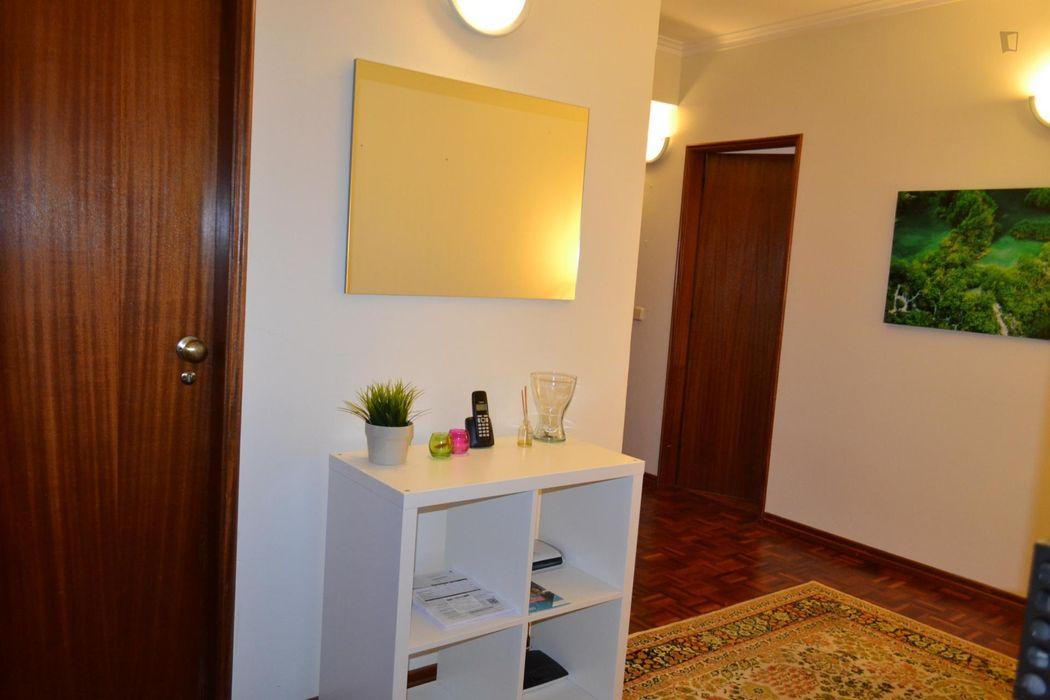 Cosy single bedroom near Faculdade de Farmácia da Universidade de Coimbra