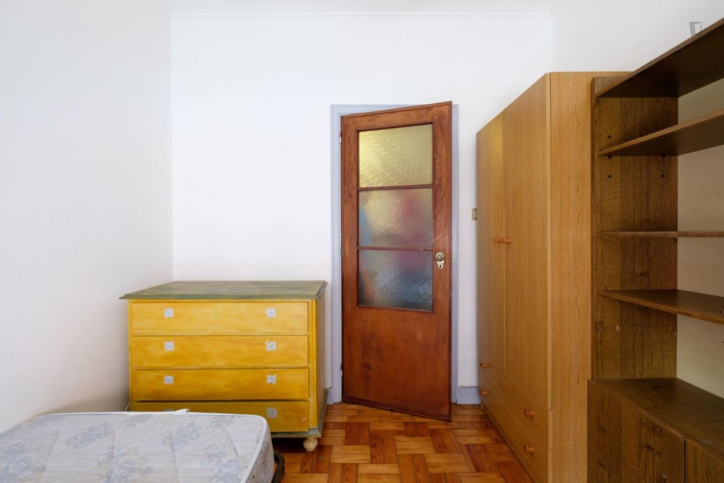 Homely room in Coimbra