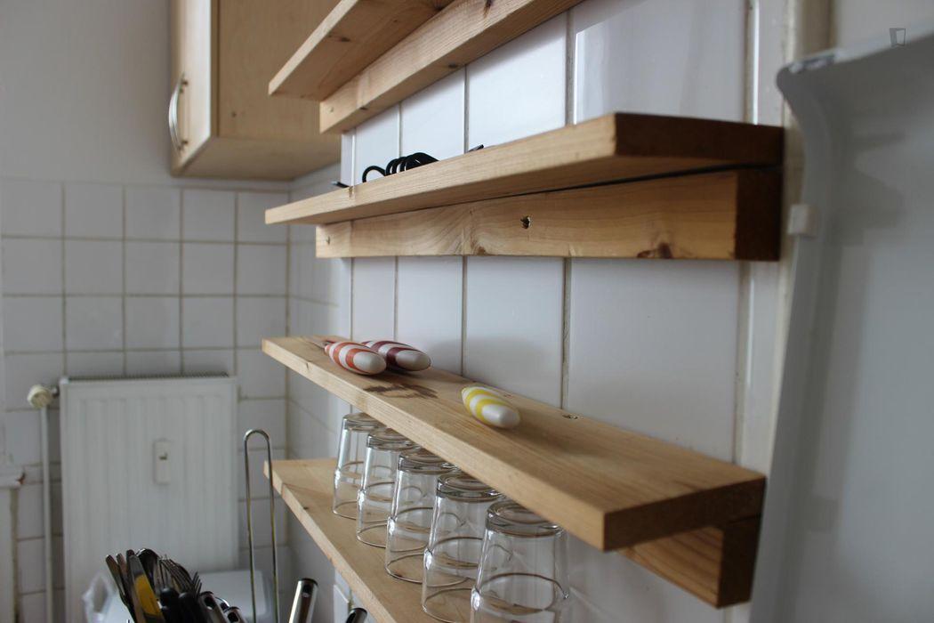 Lovely single bedroom in a 3-bedroom flat, in the Neukölln neighbourhood