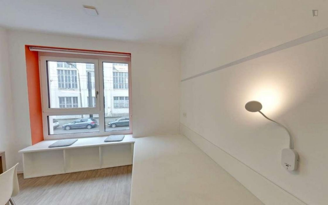 Great single bedroom in residence close to HTW - 2.8.1