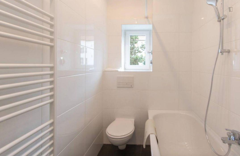 Marvellous room in 3-bedroom apartment in Neukölln