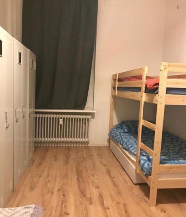 Bed in a triple bedroom, near the Großer Tiergarten