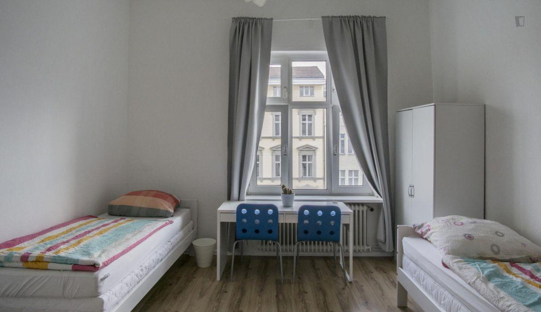 Bed in a triple bedroom, not far from Großer Tiergarten