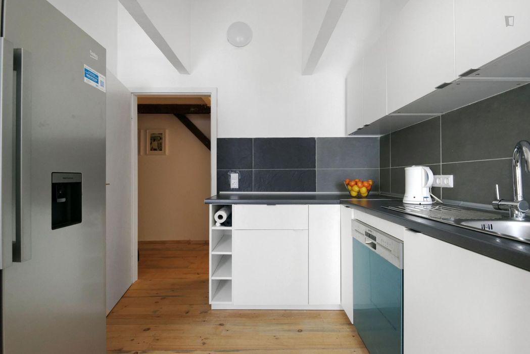 Delightful single bedroom in residential Spandau