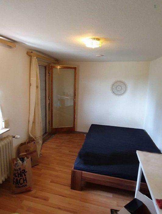Bright single bedroom in a shared flat in Weil im Schön buch, near Weil im Schönbuch, Untere Halde train station