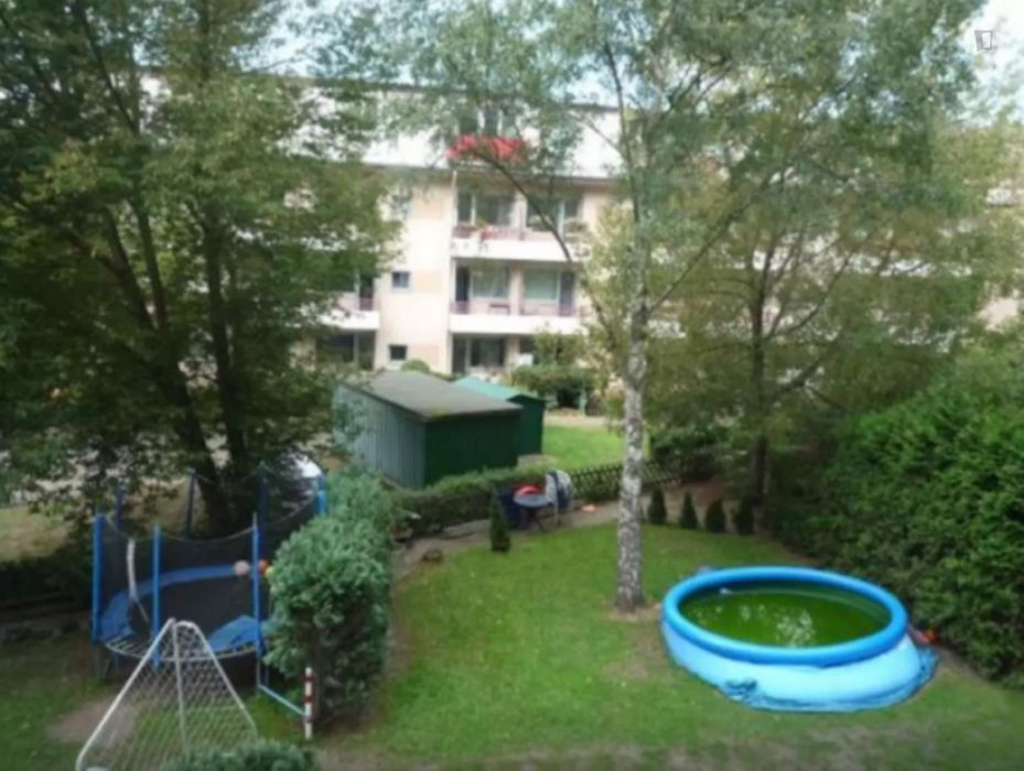 Comfy 1-bedroom apartment close to U Afrikanische Str. metro station