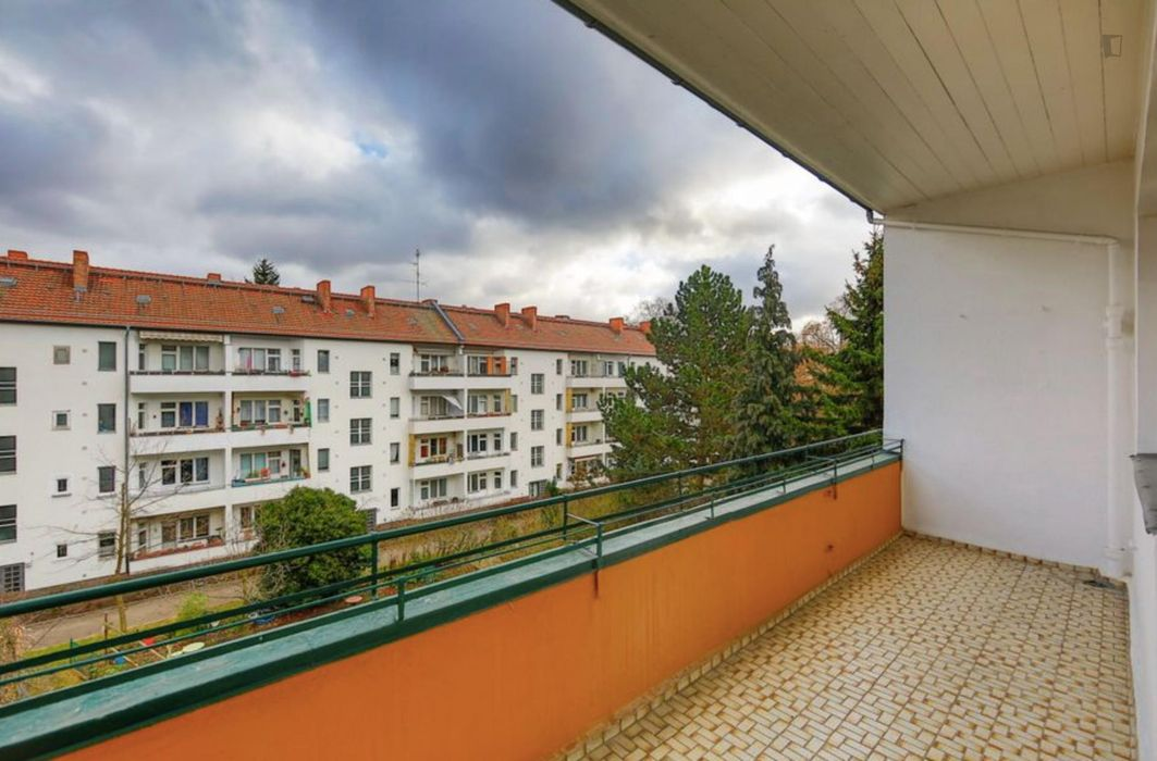 Single Bedroom with balcony in 3-bedroom Apartment