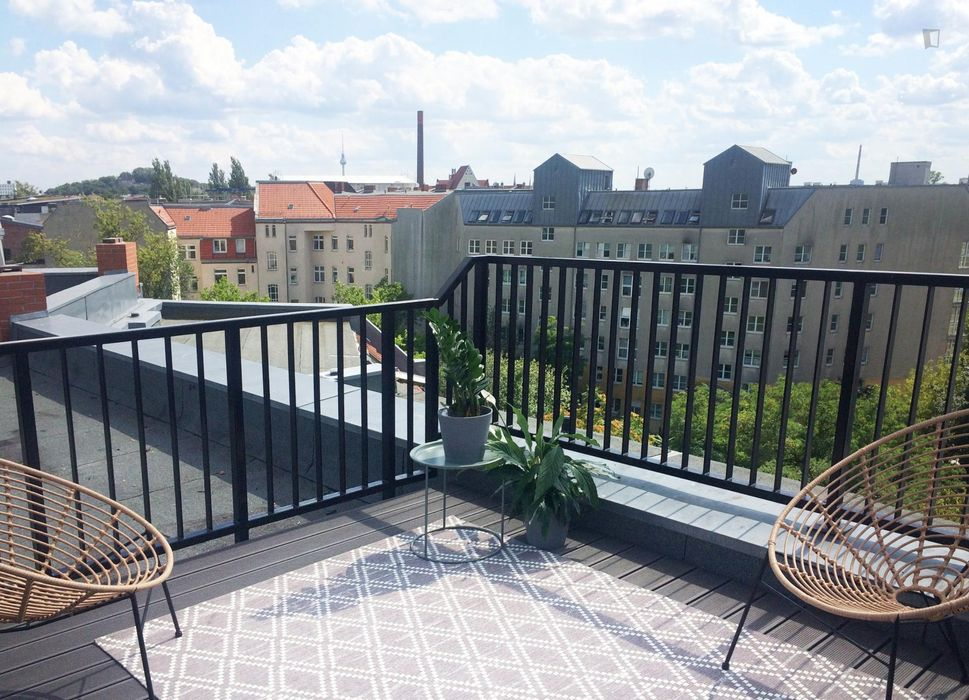 Sunny double bedroom in a residence near Osloer transit stop