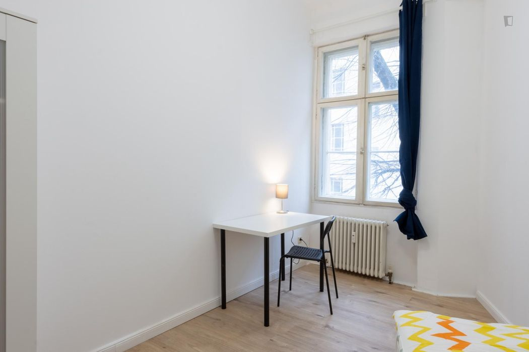 Bright single bedroom in Berlin Kreuzberg